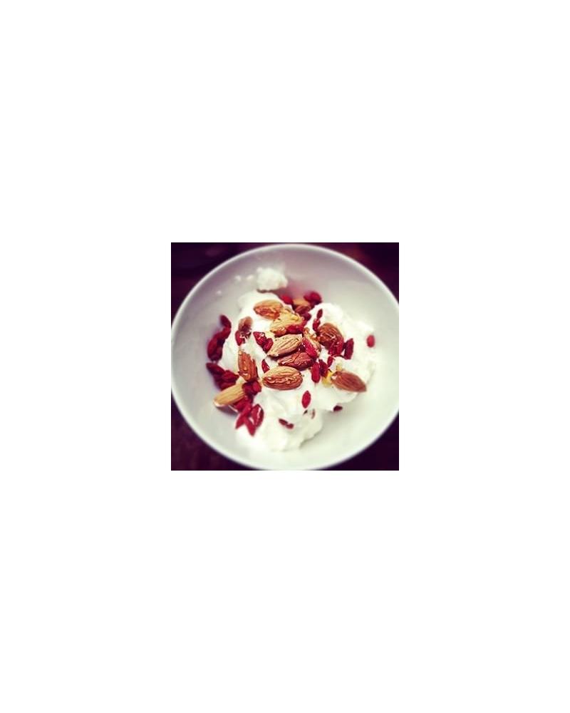 Bol : yaourt, goji, cranberries et graines de lin